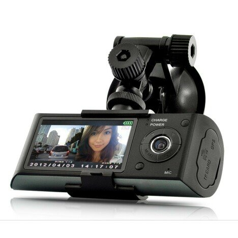 Camera Auto Dubla Cu GPS iUni Dash X3000 Plus, display 2.7 inch